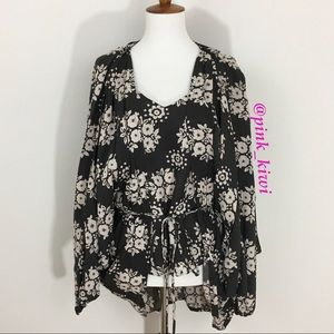 ⬇️REDUCED❗️Novella Royale The Alex Top